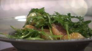 Salade de magret de canard fumé, roquette et oignons grelots aigre doux dans Miam Miam ppee-salade-de-magret-de-canard-roquette-et-oignons-grelots-10881394erlfp_2084-300x168