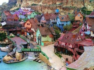 Popeye Village, Anchor Bay, Malte dans Splendeur et photos 1001945_490314847726420_1863777928_n-300x224